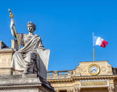 A picture showing French government buildings